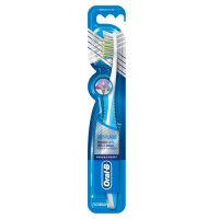 Oral B Pro Expert Superior Clean 40 Medium Toothbrush