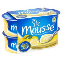 Ski mousse lemon with meringue style sauce