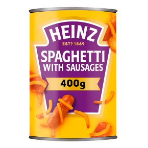 Heinz spaghetti with sausages in tomato sauce