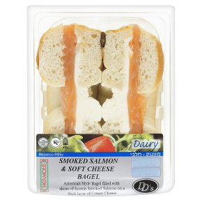 DD's smoked salmon & soft cheese bagel