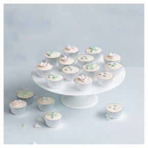 18 Tallulah Mini Golden Sponge Cupcakes